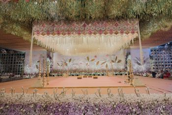 Photo of grand luxurious mandap decor
