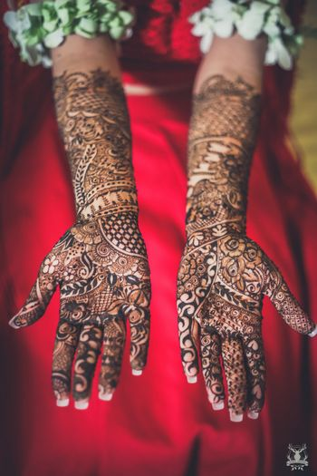 Photo of Bridal hand mehendi design