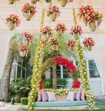 Photo of Mehendi decor idea with hanging pots