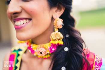 Photo of Mehendi jewellery earrings and choker