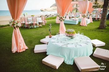 Photo of peach and mint decor