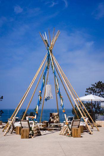 Unique decor idea with tent theme
