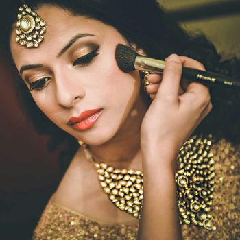 Photo of Makeup by Poonam Lalwani