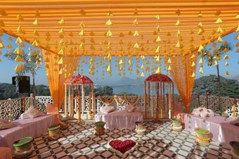 Pretty terrace decor for an intimate function