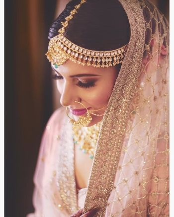 A stunning bridal portrait with natural makeup!