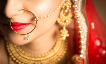 Photo of Simple bridal Nath with chain