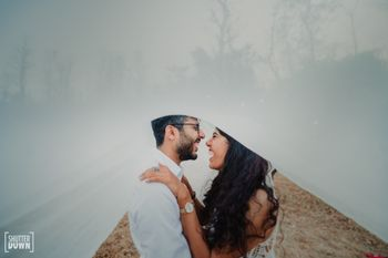 cute and happy pre wedding shoot idea
