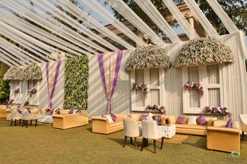 Unique day decor with windows and canopies