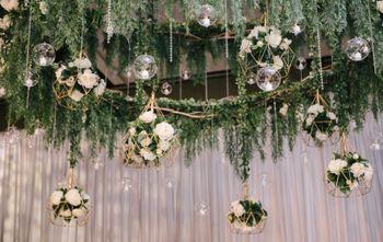 Terrariums in wedding decor.
