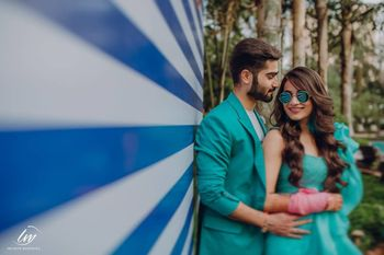 pre wedding shoot ideas with matching bride and groom outfits