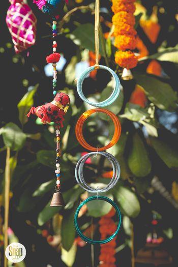 Hanging bangles as mehendi decor ideas