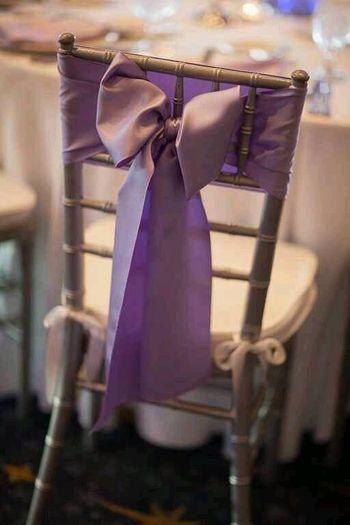 Bow chair decor idea for back