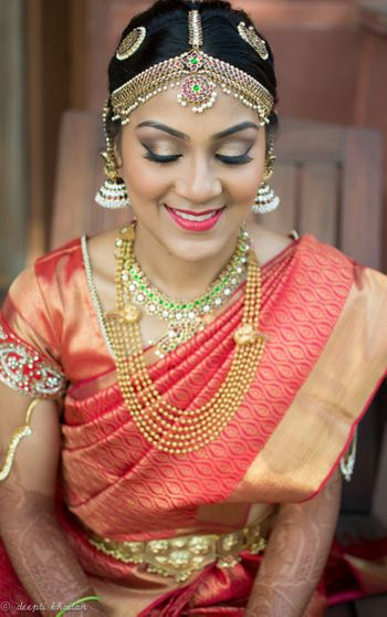 South Indian Bride with Mathapatti and Layered Necklace