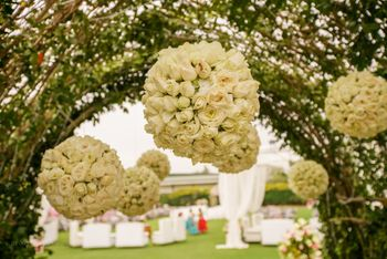 White Floral Balls for Entrance Decor