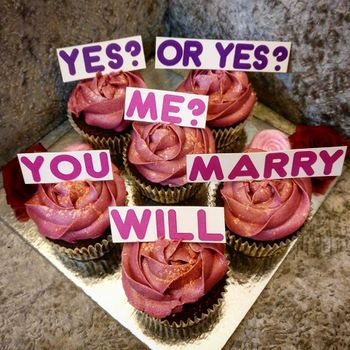 Cute cupcake proposal idea