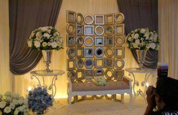 Photo of elegant banquet decor
