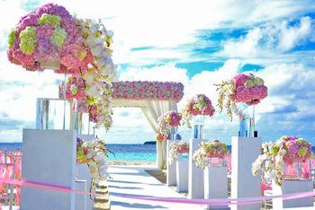 Beach wedding floral decor ideas