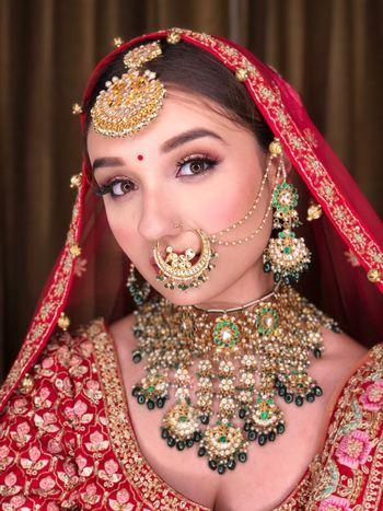 A bride in unique jewellery