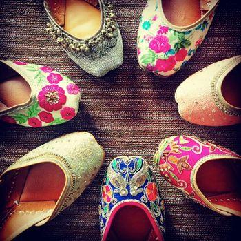 colourful juttis