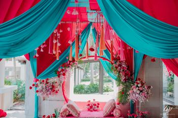 cute mehendi seating for bride to be