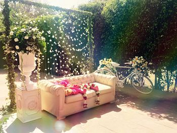 Outdoor Day Floral Decor