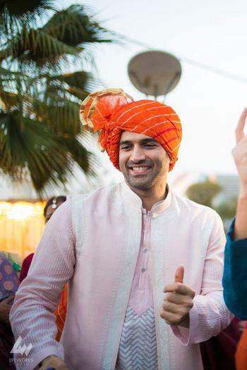 Aditya roy kapoor spotted at wedding
