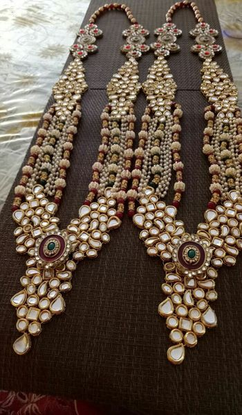 Pretty kundan and pearl raani haar for wedding
