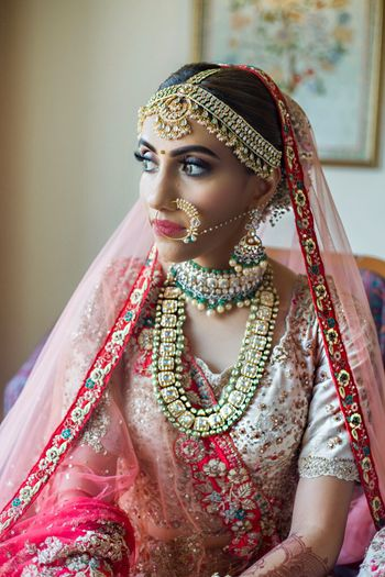 Contrasting layered bridal jewellery set