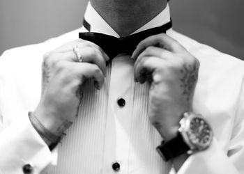 groom getting ready shot