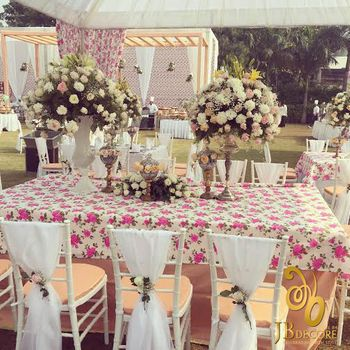 Floral Table Decor with Floral Centerpieces