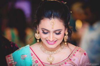 Subtle bridal makeup for engagement