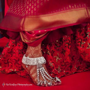 Bridal feet with silver anklet with strands