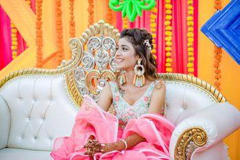 Unique mehendi earrings for bride