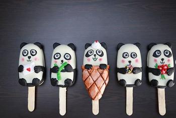 Unique panda cakesicles pops for wedding