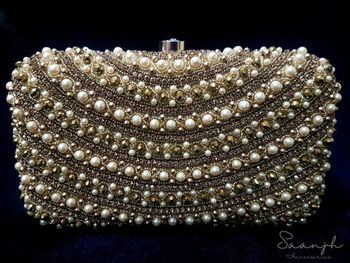 Pretty pearl clutch box for engagement party