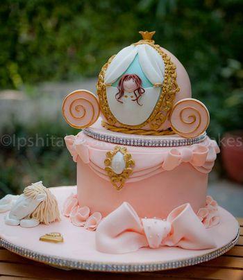 carriage cake