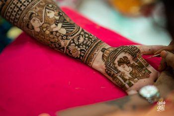 Photo of Baraat mehendi design with Palki