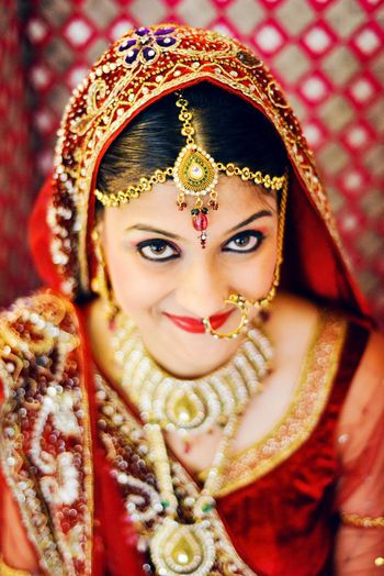 Gold Mathapatti with Gold Nose Rings