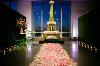 Eiffel Tower floral decor theme
