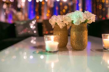Gold Shimmer Table Centerpiece with Floral Bouquet