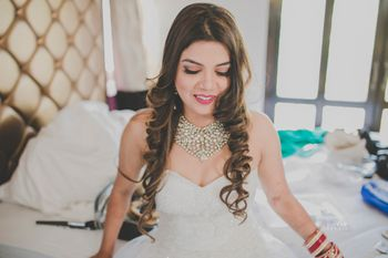 Beachy Waves Open Hairstyle for Christian Bride
