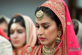 Pink Bride with Gold and Emerald Maangtikka