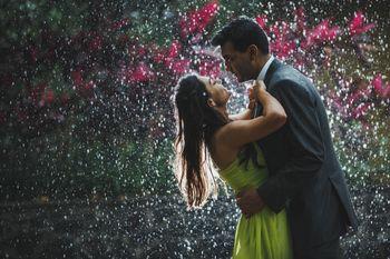 Photo of pre-wedding rain shot