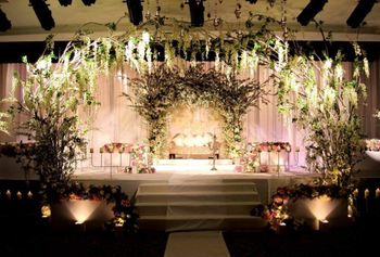 white theme stage decor