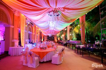 Coral theme decor for wedding