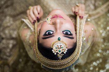 cute bridal pose idea on wedding day