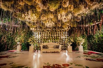 Elegant and classy suspended stage decor