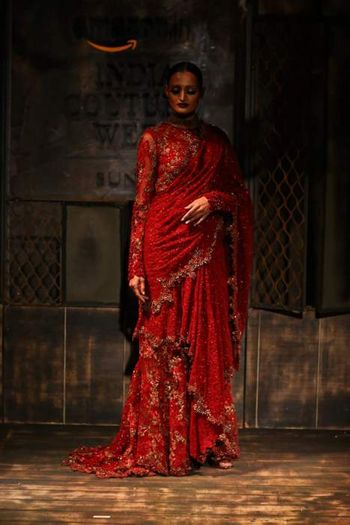 scalloped saree