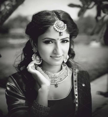 Photo of Black and White Bridal Portrait with Jewellery