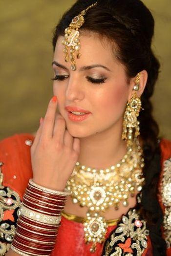 Photo of Rituu Gandhi Makeup & Hair Artist.